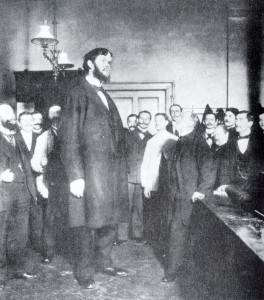 Dr. Rudolf Virchow präsentiert einen Riesen