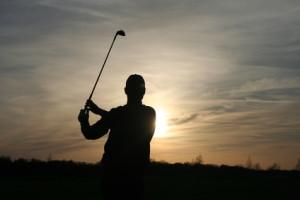 Tiger Woods locht bei jedem Lichtverhältnis ein © Golfer70 - Fotolia.com