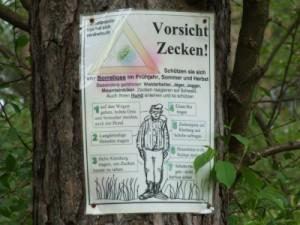 Vorsicht_Zecken_Jens Bredehorn pixelio.de