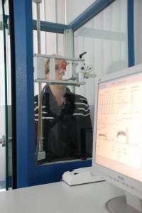 Patient bei der Spirometrie