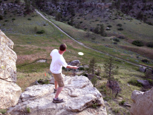 Frisbee Golf vom Felsen  @granitepeaker - Fotolia