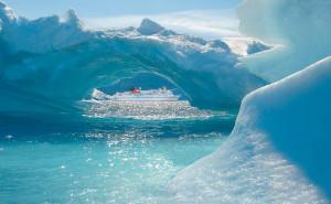 MS Bremen im Eis