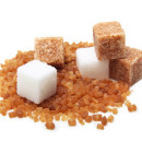 Brown and white cane sugar cubes